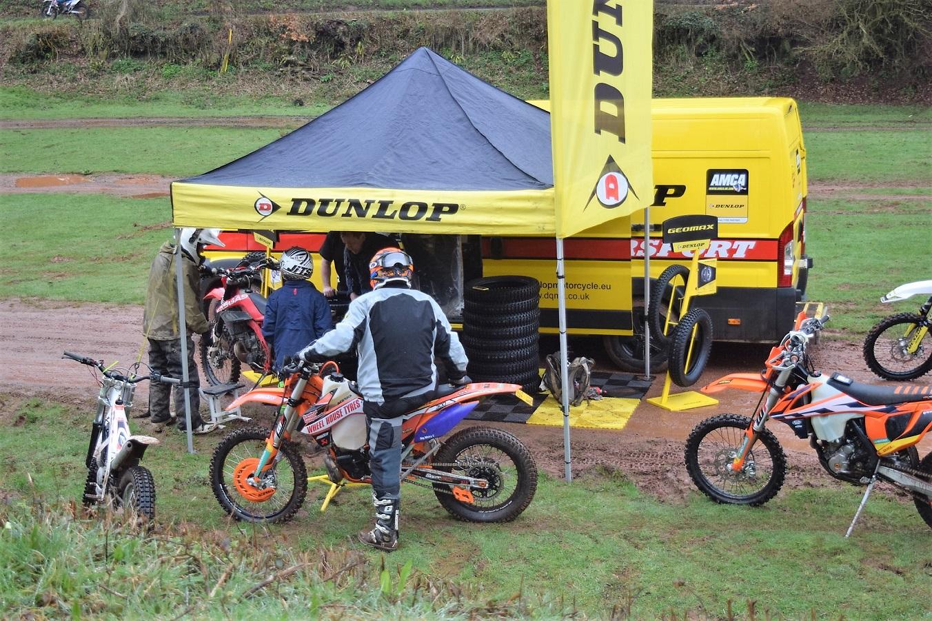 Dunlop stand